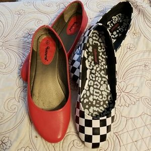 2 pairs of shoes size 10